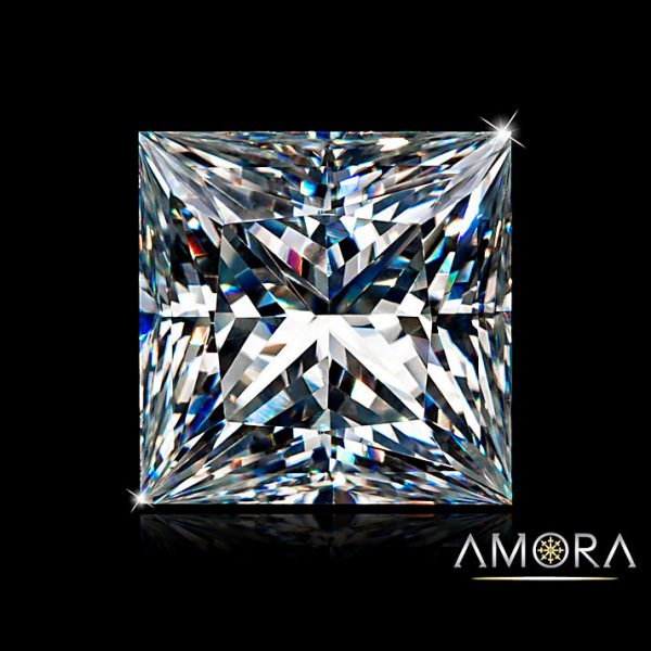 Princess cut amora gem