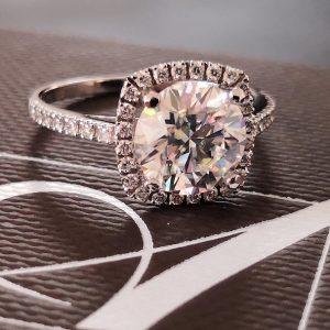 Amora Gem Ring
