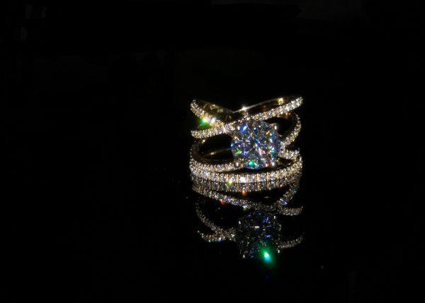 Lyra YG Ring Amora Gem 1